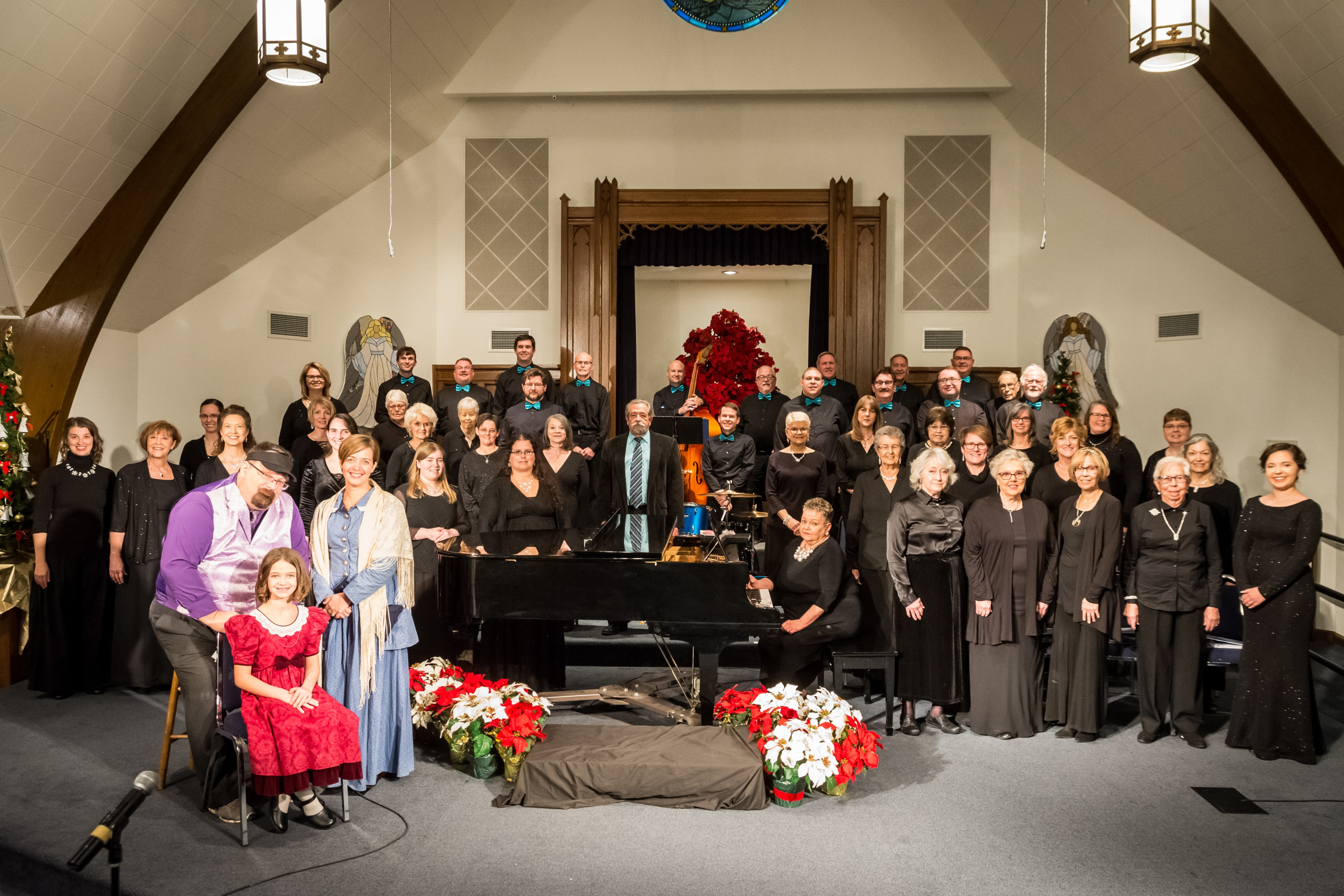 Donate today to receive the SRC Community Chorus' 2020 virtual holiday concert, Home for the Holidays: Virtually Unplugged!